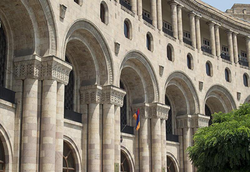 Армянские дипломаты оказались ворами и сутенерами
