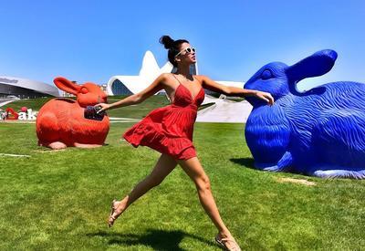 """Самая красивая девушка России в Баку: Знали бы раньше бы приехали! <span class=""""color_red"""">- ФОТО</span>"""