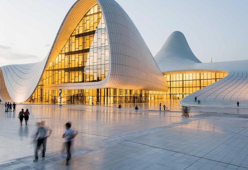 Forbes рассказал о Неделе моды Азербайджана