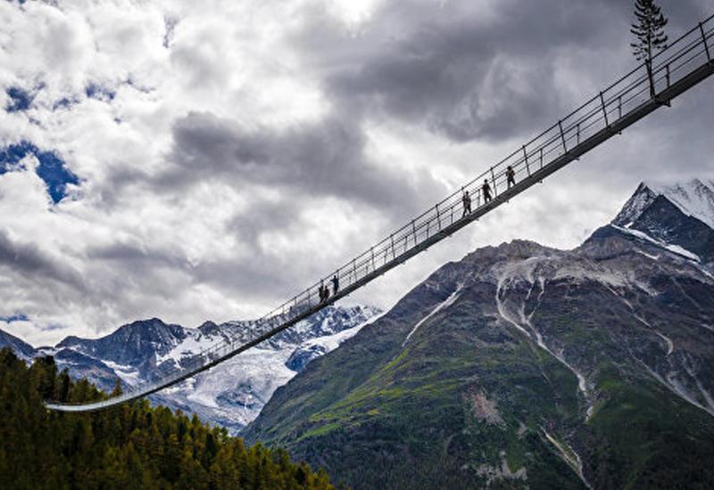 Самый длинный в мире висячий мост для пешеходов открыт в Швейцарии