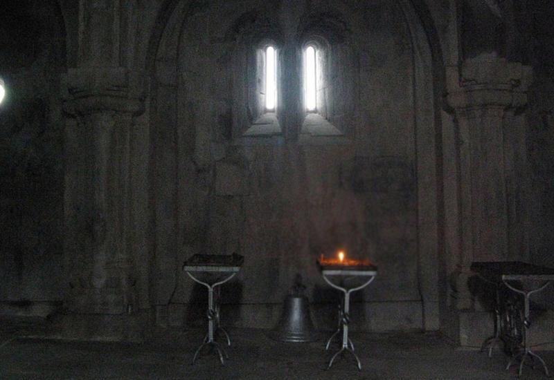 Армянская церковь распадается?