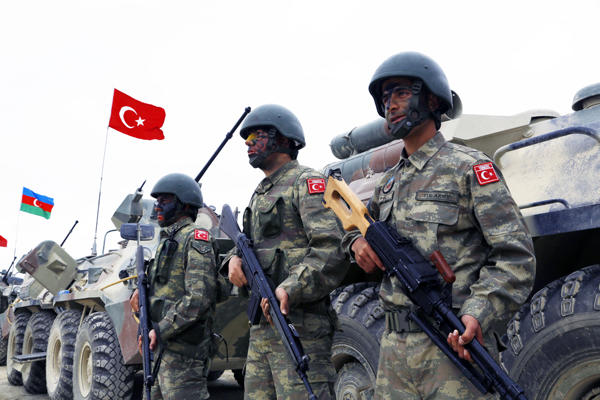 Anadolu: США поставили 112 фургонов  оружия сирийским курдам