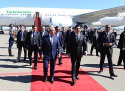 Президент Туркменистана прибыл в Азербайджан