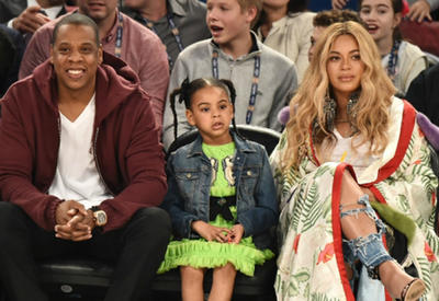 """Бейонсе с дочерью зажгли на концерте в Лос-Анджелесе <span class=""""color_red"""">- ВИДЕО</span>"""