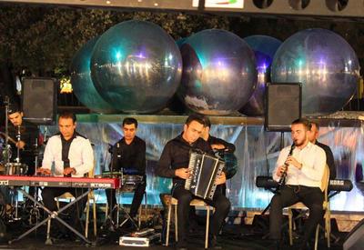 """В центре Баку прошел очередной концерт в рамках проекта Music Band <span class=""""color_red"""">- ФОТО</span>"""