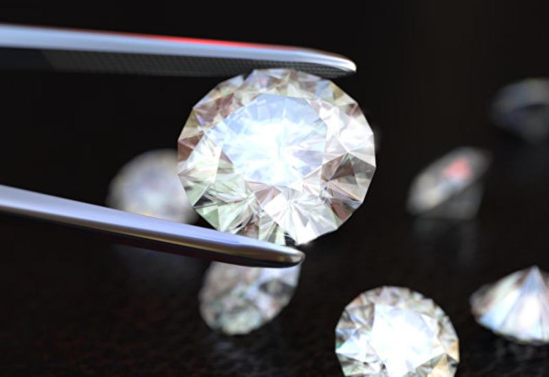 Бельгиец пытался нелегально ввезти в Грецию сотни бриллиантов
