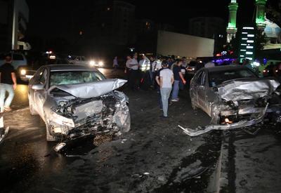 """Жуткое ДТП в Баку, есть погибший и раненые <span class=""""color_red"""">- ФОТО</span>"""