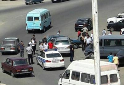 В Газахе столкнулись два автомобиля, есть раненые