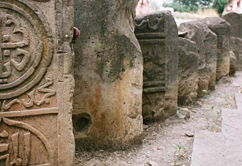 Парк саргсяновского периода: начата ревизия лжеистории Армении