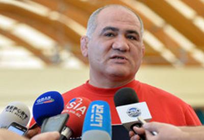 """Firdovsi Umudov: """"Dünya çempionatında sürprizlər gözlənilir"""" <span class=""""color_red"""">- MÜSAHİBƏ</span>"""