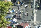 """В центре Барселоны автомобиль въехал в толпу: 12 погибших, пострадали 80 человек <span class=""""color_red"""">- ОБНОВЛЕНО - ВИДЕО - ФОТО </span>"""