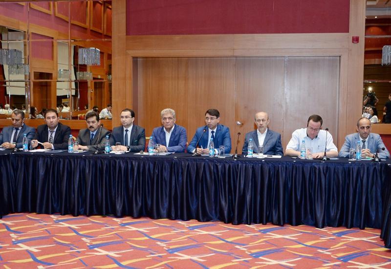 """В Баку прошла конференция на тему «Исламская солидарность: пути борьбы против религиозного радикализма и экстремизма» <span class=""""color_red"""">- ФОТО</span>"""