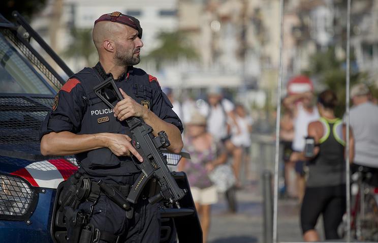 ВБарселоне автомобиль наехал натрёх полицейских