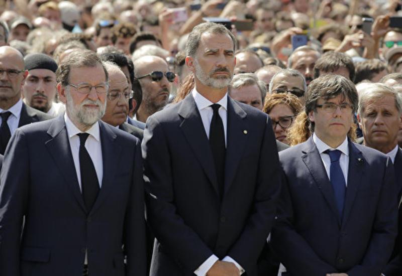 Королевская чета Испании навестила в больницах раненых при теракте