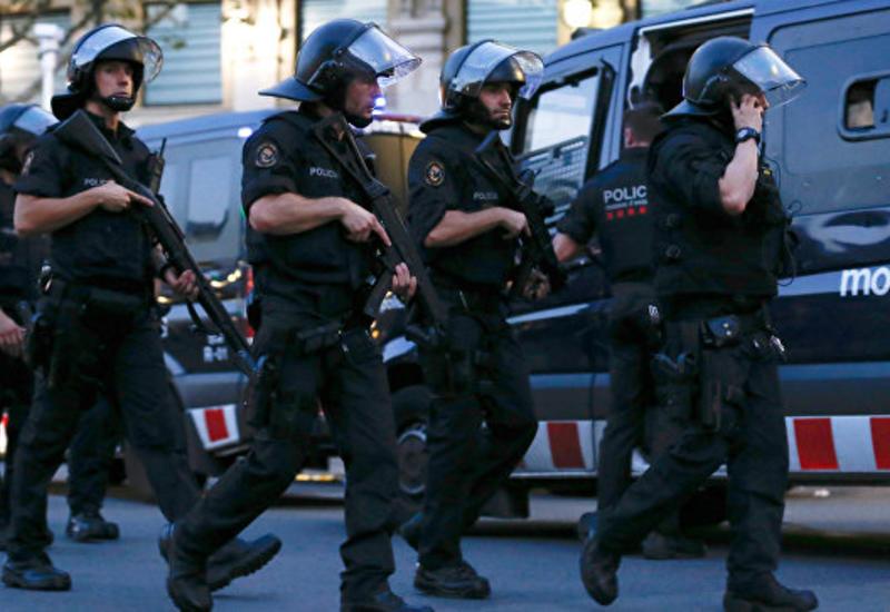 Испанская полиция ищет главного подозреваемого в теракте в Барселоне