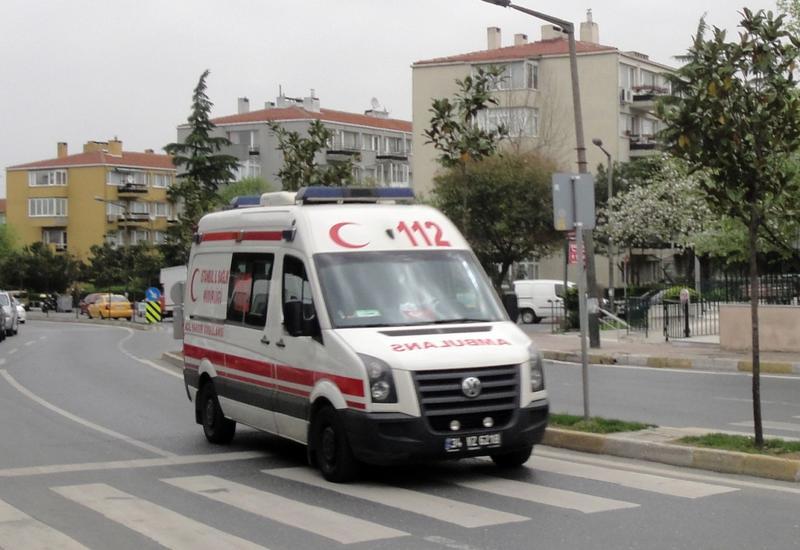 В Турции микроавтобус упал в ущелье