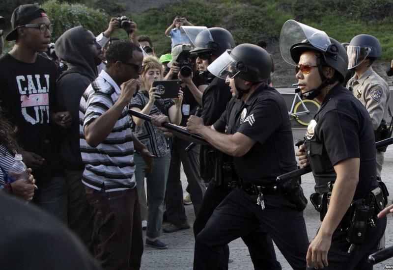 В Миннеаполисе объявили комендантский час на фоне протестов