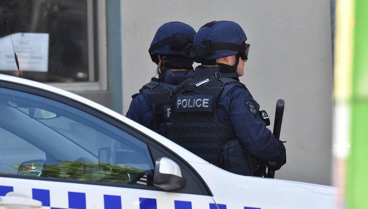 Премьер Австралии придумал оградиться оттеррористов намашинах бетонным блоком