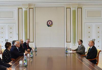 """Президент Ильхам Алиев принял бывших глав государств и правительств, участвующих в Глобальном форуме молодых лидеров в Баку <span class=""""color_red"""">- ФОТО</span>"""