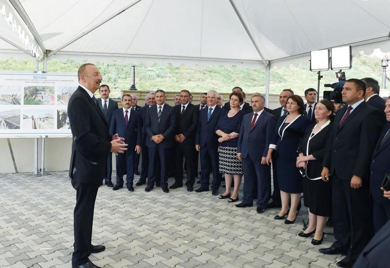 """Президент Ильхам Алиев: """"Не вижу никаких проблем для настоящего и будущего Азербайджана, нет никаких рисков, угроз"""""""
