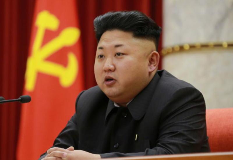СМИ: Ким Чен Ын тайно посетил военную базу у границы с Южной Кореей