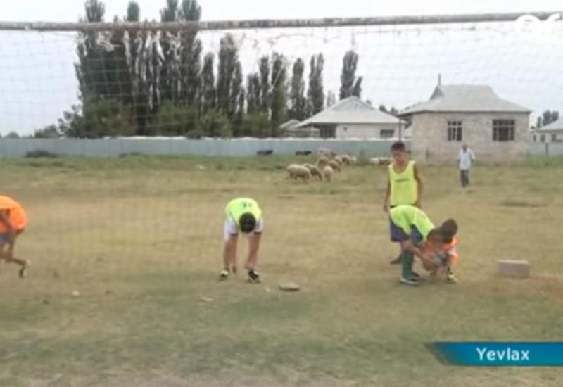 """Bu kənddə hər kəs futbol oynayır <span class=""""color_red"""">- FOTO - VIDEO</span>"""