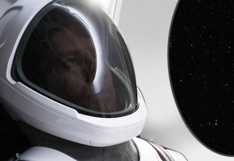 Илон Маск опубликовал фото первого скафандра SpaceX
