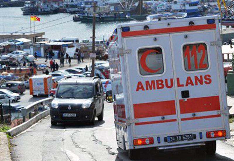 """В Турции туристический автобус столкнулся с грузовиком, есть пострадавшие <span class=""""color_red"""">- ВИДЕО</span>"""