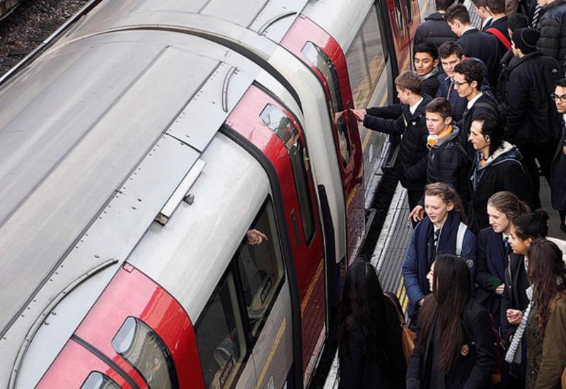 В Британии предложили создать раздельные поезда для мужчин и женщин