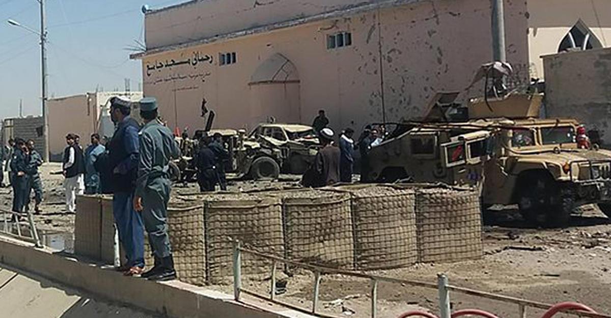 Теракт вАфганистане: смертник подорвал себя наюге страны