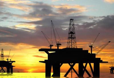 Нефть поднялась до двухлетнего максимума после арестов саудовских принцев