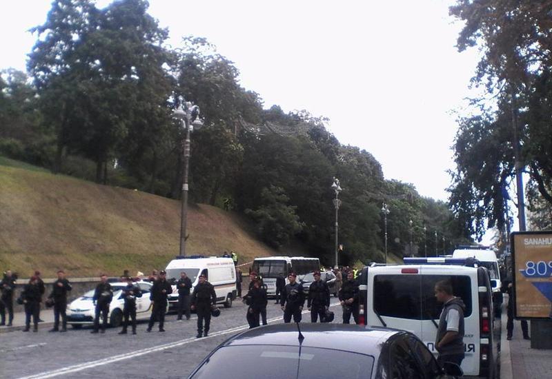 Посольство:  На сотрудников и автомобили посольства Азербайджана в Украине никто не нападал