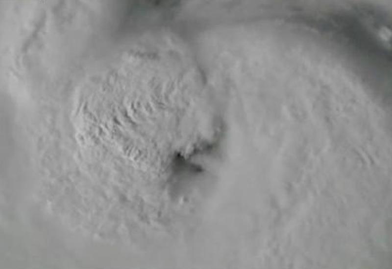 Опубликовано снятое из космоса видео урагана, поглощающего целый Техас