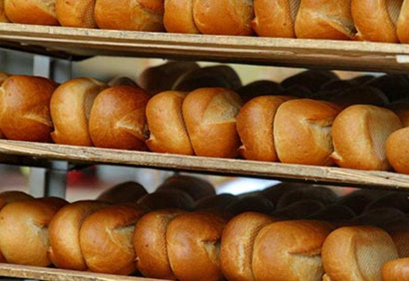 В Азербайджане приняли решение касательно цен на хлеб и муку