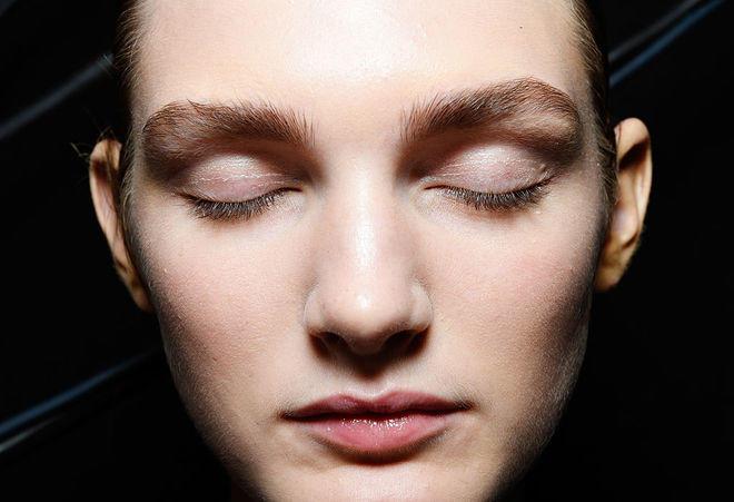 Как с помощью макияжа сделать лицо худее фото 882