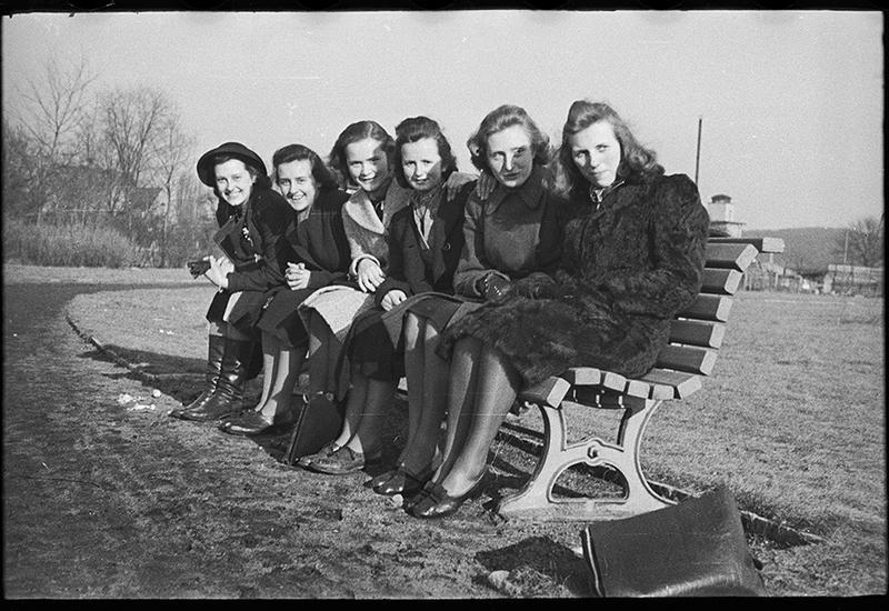 Пир во время войны - уникальные снимки времен Второй мировой войны