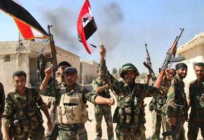 """Сирийская армия освободила от """"ИГ"""" месторождение нефти близ Дейр-эз-Зора"""