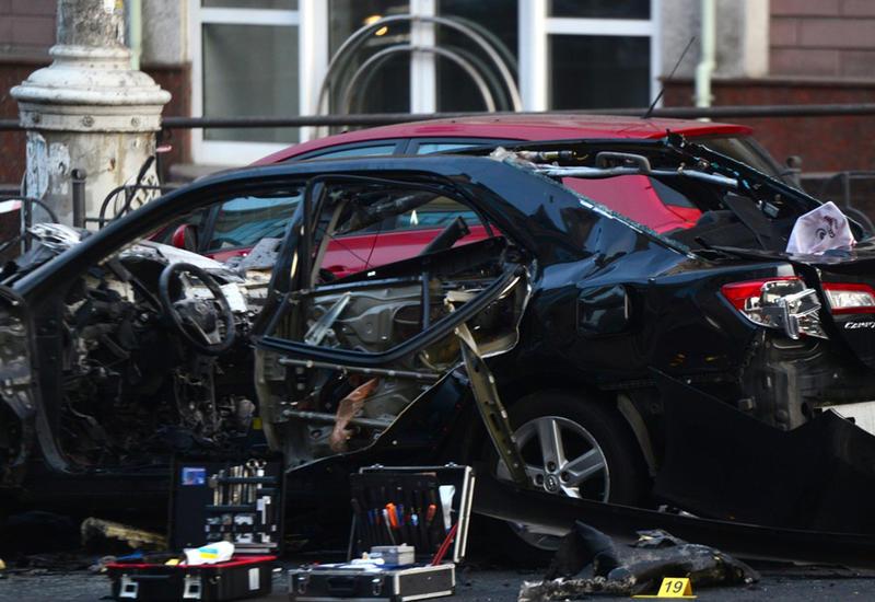 Камеры наблюдения зафиксировали момент взрыва авто в центре Киева
