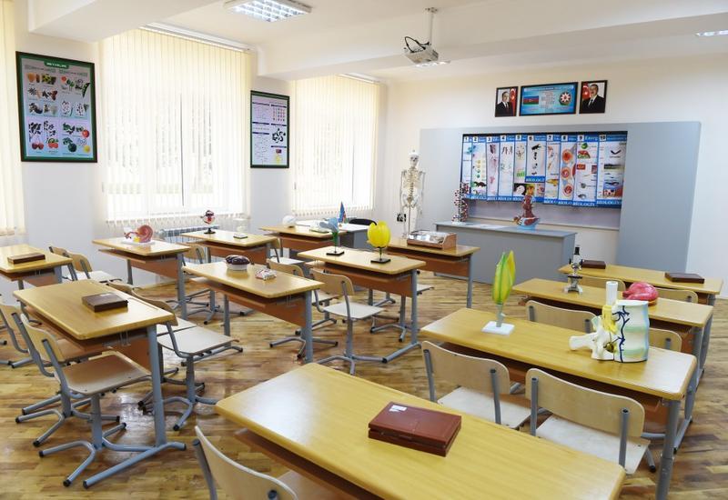 Эмин Амруллаев назвал причину объявления каникул в учебных заведениях