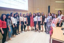 Первый вице-президент Мехрибан Алиева посетила лекцию американского бизнесмена Шервина Пишевара в университете ADA - ФОТО
