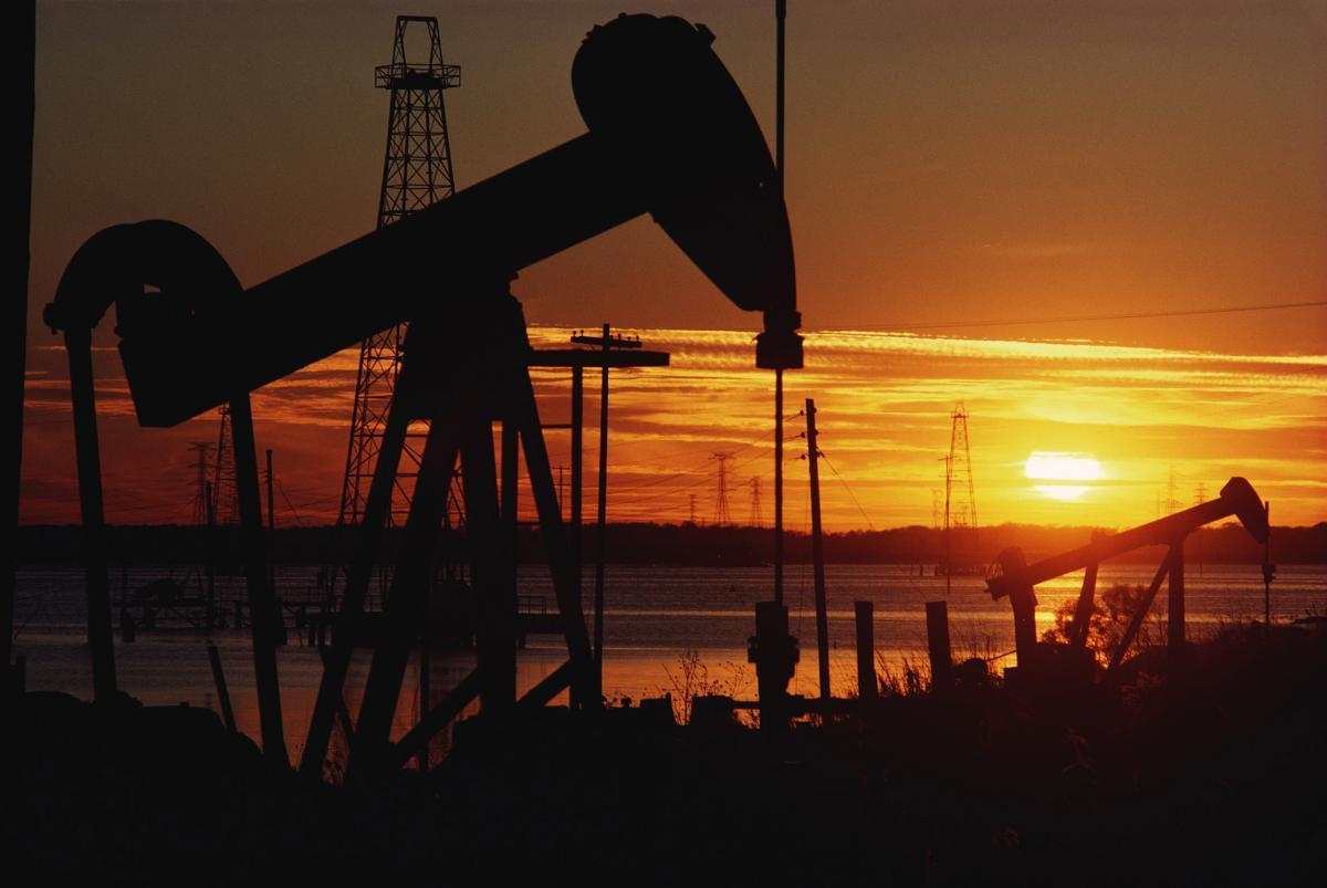 Саудовская Аравия иВенесуэла готовы к предстоящей ребалансировке нефтяного рынка