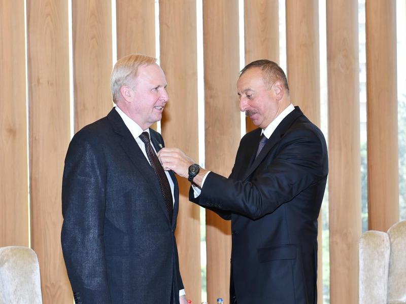 Премьер Японии направил президенту Ильхаму Алиеву поздравительное письмо