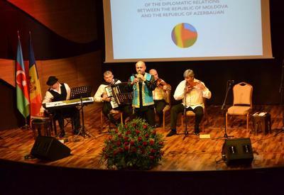 """Грандиозный концерт молдавско-азербайджанской фольклорной музыки в Центре мугама <span class=""""color_red"""">- ФОТО</span>"""
