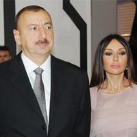 Президент Ильхам Алиев и его супруга Мехрибан Алиева приняли участие в церемонии открытия чемпионата мира по дзюдо в Баку