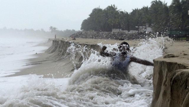 Мощнейший шторм «Макс» обвалился наМексику