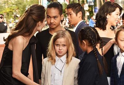"""16-летний сын Анджелины Джоли впервые дал интервью <span class=""""color_red"""">- ФОТО</span>"""