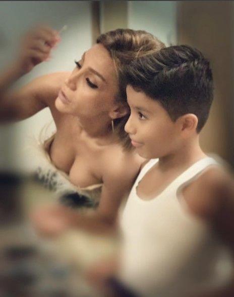 Röya oğlu ilə fotosunu tənqid edənlərə cavab verdi - FOTOLAR