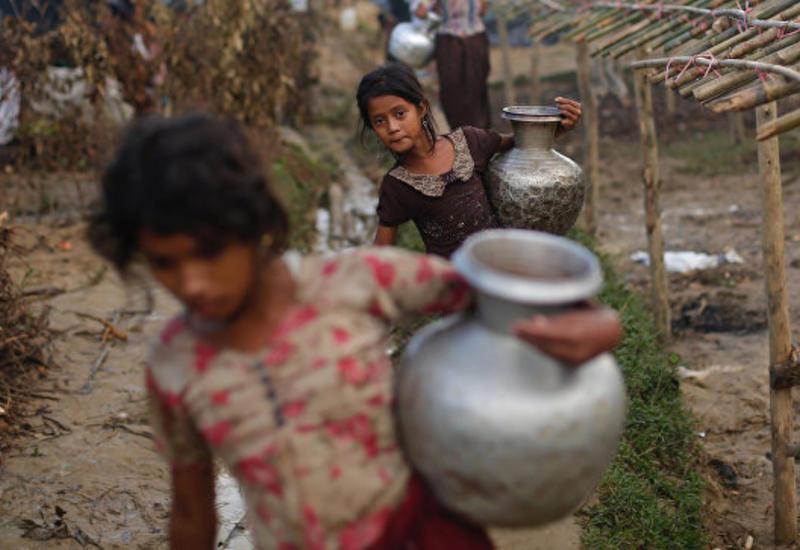 Бангладеш принял более 400 тысяч беженцев рохинджа из Мьянмы