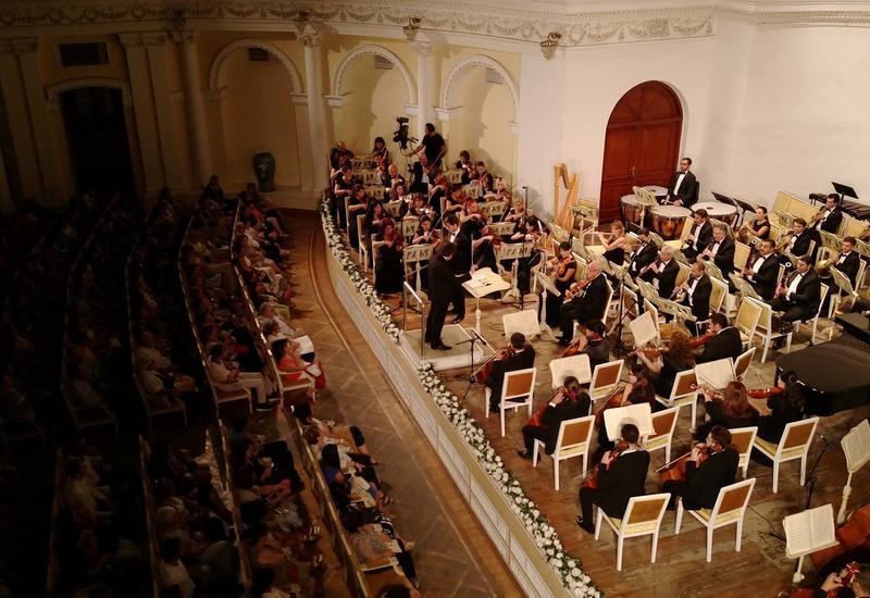 В Филармонии состоялось грандиозное открытие IX Международного музыкального фестиваля им. Узеира Гаджибейли