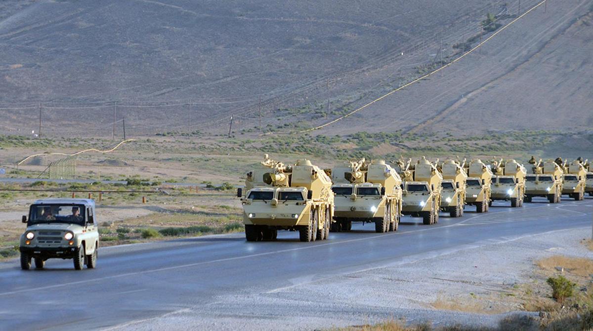 Азербайджан проводит широкомасштабные военные учения